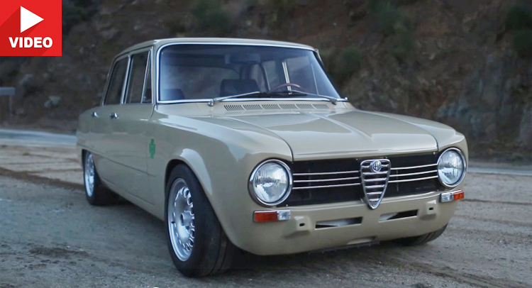 1970 Alfa Romeo Giulia 1300 Ti получила Singer Vehicle Design